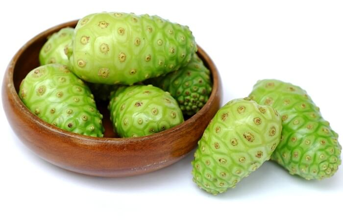 Khasiat buah Mengkudu Untuk Budidaya Ikan Lele